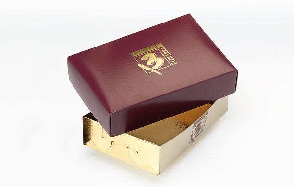 Base ouro/ouro com abas de encaixe e com tampa